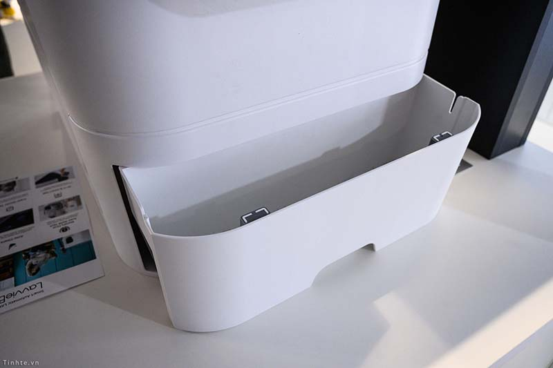 LavvieBot S waste drawer